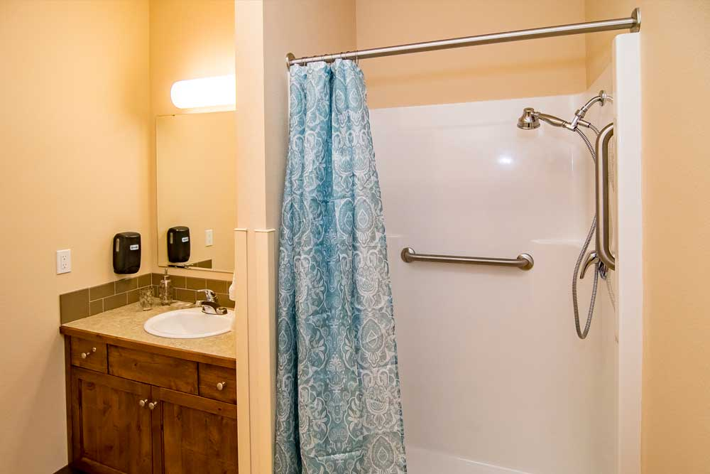 Fruitland ID - Bathroom